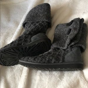 Grey lattice cardy boots size 7